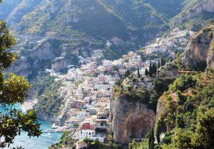 Dorpje aan de Amalfitaanse kust